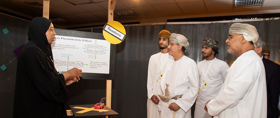 Students Highlight Importance of Physics to the Economy