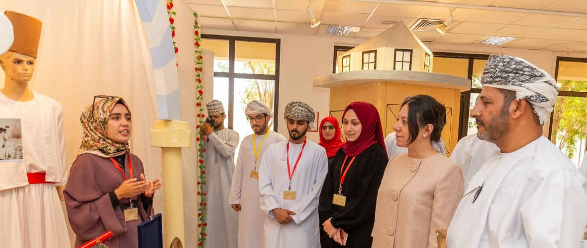 Student Group Holds Exhibition on Ottoman Empire